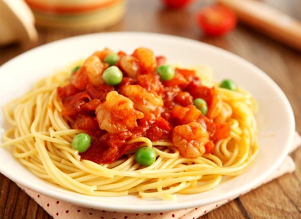 番茄虾仁拌面如何制作呢