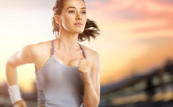 每天夜跑拼命减肥 跑步姿势不正确不是开玩笑的