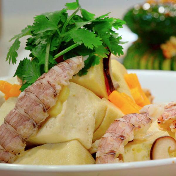 皮皮虾豆腐煲的做法
