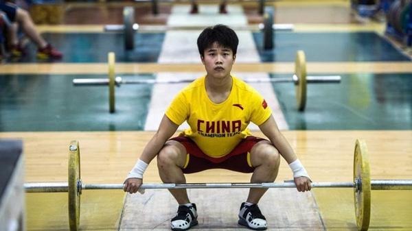 里约奥运曝中国女举临战换人 背后玄机引人深思