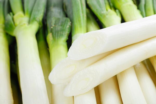 经常吃大葱有什么好处呢