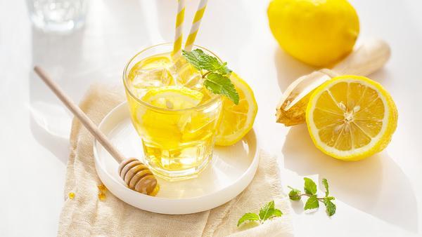 喝柠檬水的4大禁忌,喝柠檬水有什么禁忌,喝柠檬水的禁忌