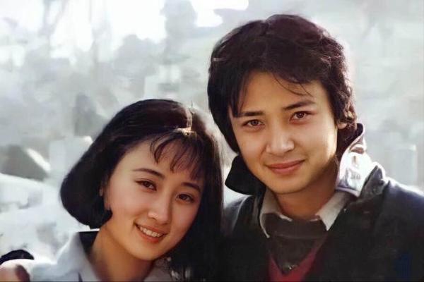 演员陈丽娜的老公是谁 陈丽娜与老公结婚照分享