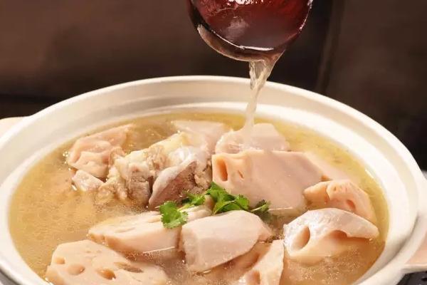 排骨藕汤的功效是什么呢