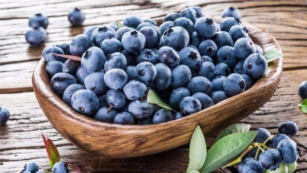 女性吃蓝莓的好处,女性吃蓝莓的注意事项