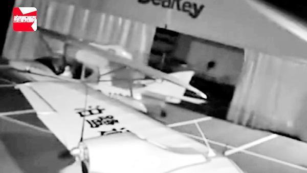 13岁熊孩子偷开飞机兜圈,飞行基地总监:靠观察就学会,不得了