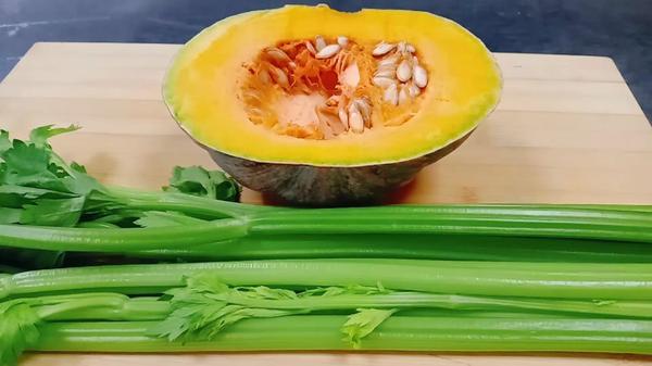 南瓜和芹菜能一起吃吗,南瓜和芹菜可以一起炒吗