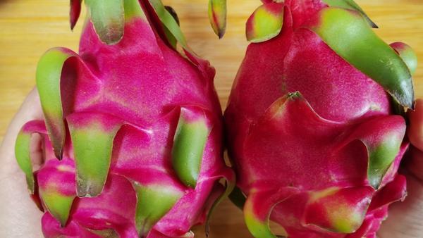 红心火龙果什么时候吃通肠,吃火龙果有什么好处