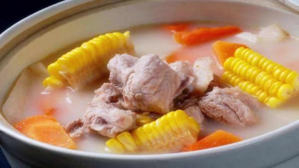 玉米排骨汤喝了有什么好处,玉米排骨汤怎么炖最好喝