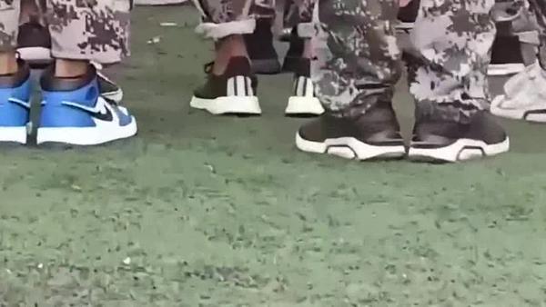 大学军训可以做指甲吗,大学军训可以穿自己的鞋吗