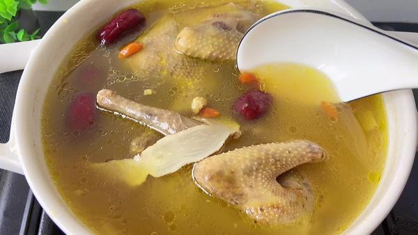 人参鸽子汤的功效与作用,人参鸽子汤的食用方式和注意事项