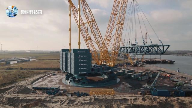 据说这是全球最大的起重机:最大起重量5000吨!首秀怒赚1.8亿!