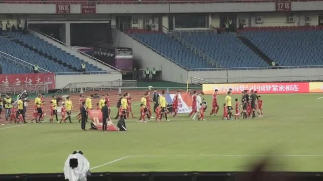 轮换多人,广州恒大vs重庆力帆赛前主队首发球员视频霸气登场