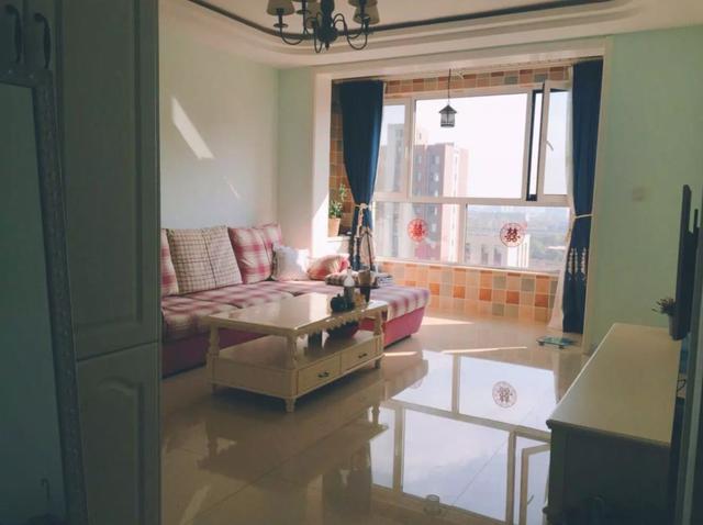 许昌85平地中海风格,最爱客厅亮眼的沙发!