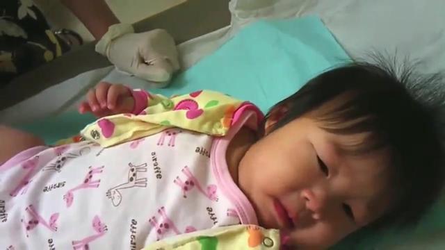 六个月小宝宝打针,这反射弧也没谁了