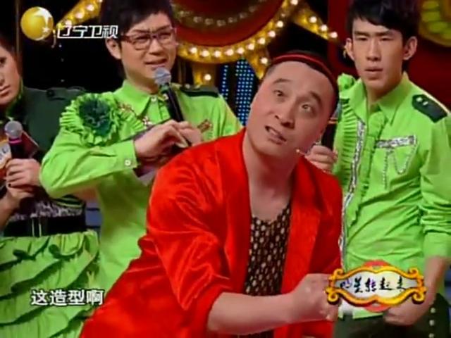 张小飞成名小品,刚上场把赵本山都逗笑了,一分钟爆笑30次