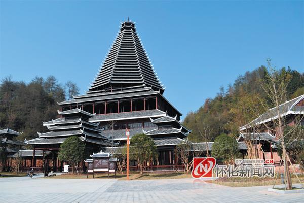 芷江风雨桥独具特色,更是侗族标志性建筑,是世界上第一大风雨桥