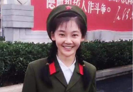 冯女郎杨采钰恋上刘亦菲干爹,两人相差30岁!_手机搜狐网