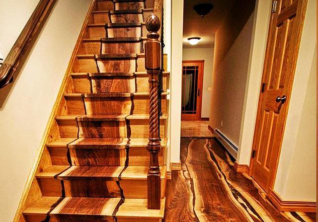 木质楼梯踏步带灯