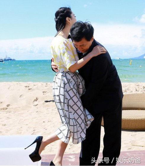 娱乐圈揩油哪家强?中国香港找成龙啊