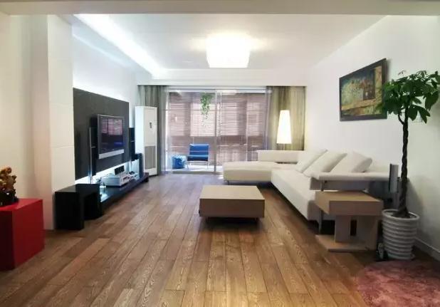 在80㎡的两室一厅,她悉心打造了9个风格迥异的空间