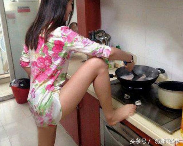 做饭的家庭主妇高清摄影图片 - 素材中国16素材网