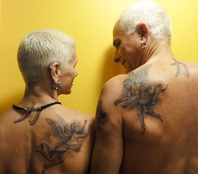 当老了后纹身会变成什么样?年迈的他们亮出了纹身