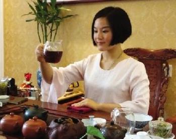 官员坚称逼婚中原茶仙子纯属污蔑 一个月后因作风问... -观察者网