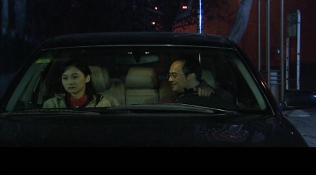 章泽天刘强东深夜约会,夫妻地位发生反转,男方动... _新浪看点