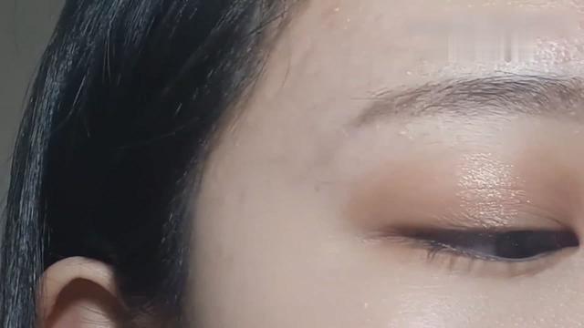 这么好看的眼影你会吗?简单眼影组合画出非常亮眼的眼妆