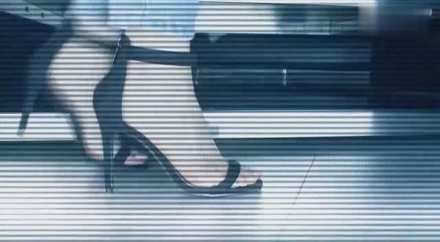 美脚高跟鞋-美女试穿多款10CM高跟鞋,感性气质独具魅力!