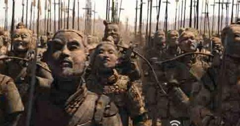 统一中国被后人称为千古一帝的他被骂为暴君,该如何评价秦始皇?