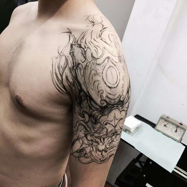 龙纹身胳膊图片