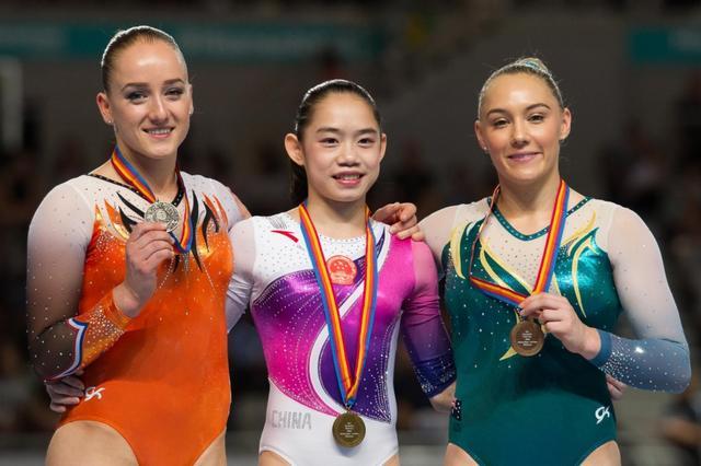 体操世锦赛平衡木决赛:刘婷婷夺冠_东方头条