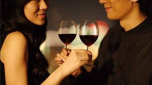 情人和红颜知己有什么区别,哪个的关系更亲密?