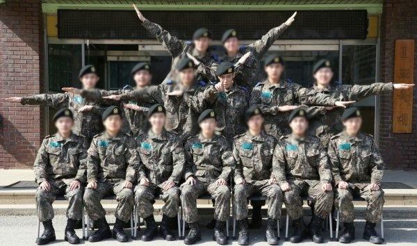 Bigbang成员TOP崔胜贤型男写真 白发酷帅霸气十足... -手机闽南网