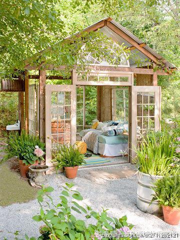 10个赏心悦目的DIY温室:让自己的花园变成绿洲