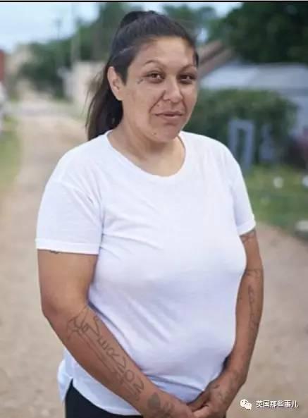她16岁时未婚先孕,生儿子然后送人……18年后,母子重逢,他俩相爱了……
