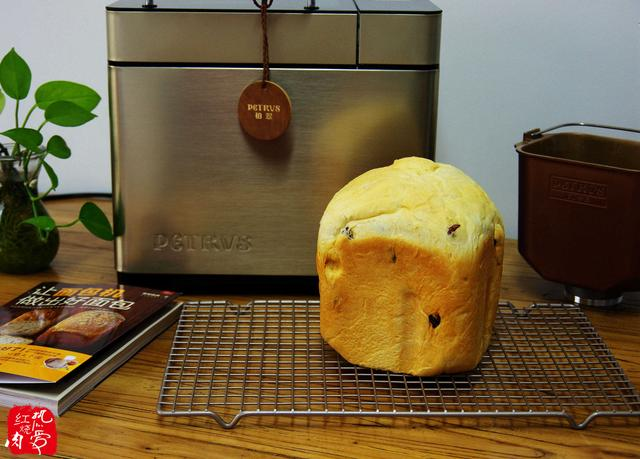 面包做不好?面点师:用对这2种材料,面包机也能做出香软好面包