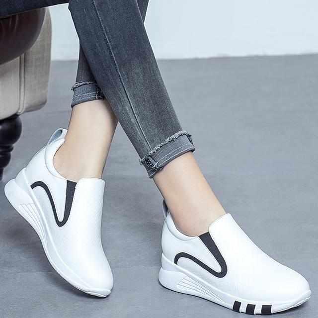 女士内增高休闲鞋好看又舒适