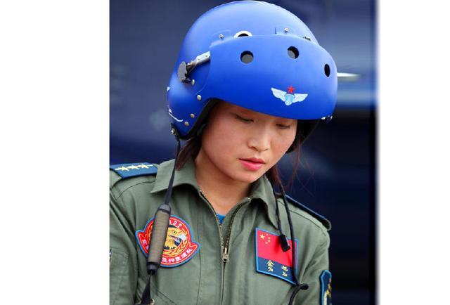 从女飞行员战斗着装看地区特色,女飞余旭最美更令人惋惜