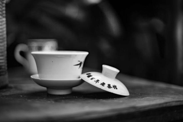 一杯清茶,浮生半日 | 双流这个茶馆的杯盏间都是幸福…… 