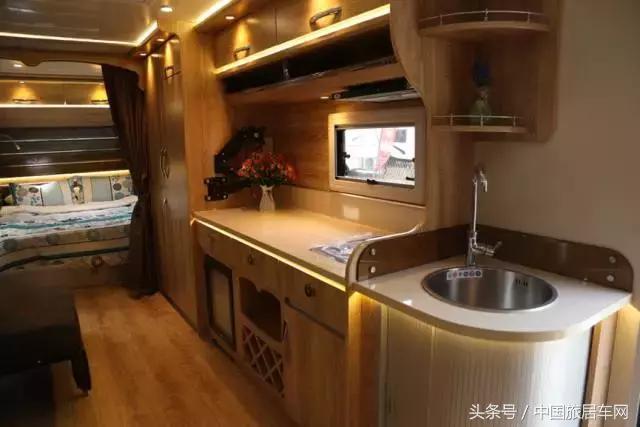 澳洲纯正血统营地房车,豪华内饰,户外的极致家庭享受