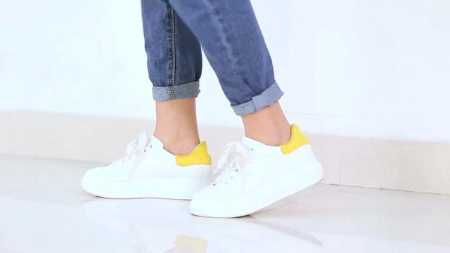 如何优雅地卷裤腿时尚达人教你牛仔裤卷裤脚的7种方法