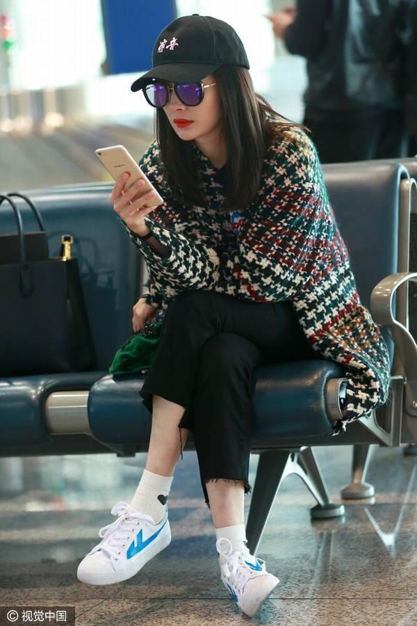 杨幂、吴亦凡、李雯都爱回力鞋,穿出不一样的时尚_手机搜狐网