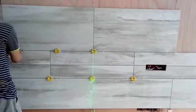 瓷砖电视墙怎么贴?_客厅装修_装信通网