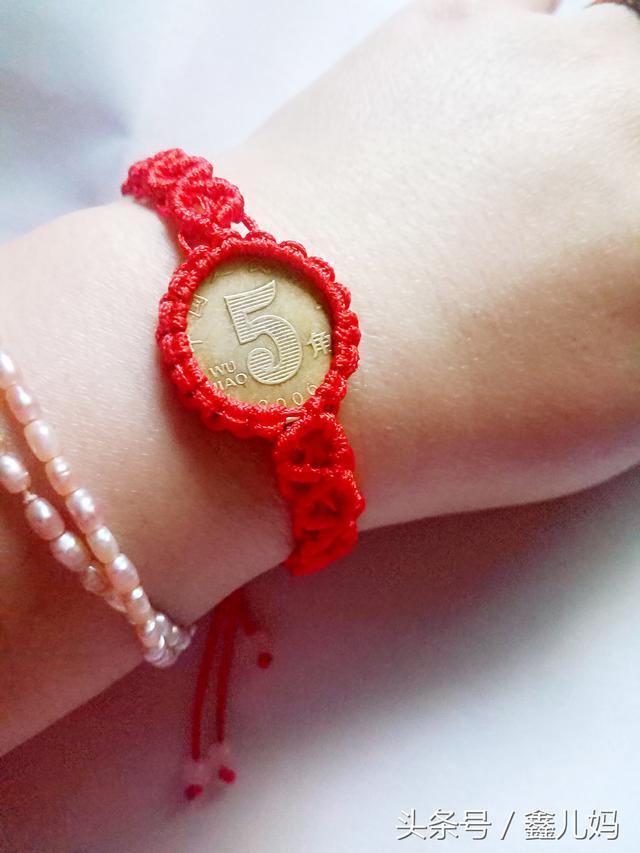 硬币手链,原来是这么编织的,真是个不错的办法!_网易视频