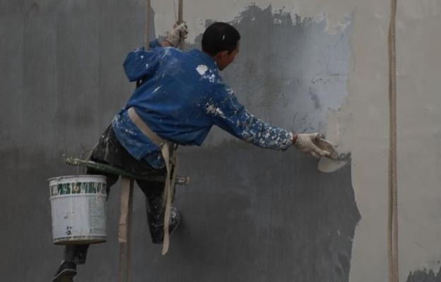 油漆工:你只看到他们的高工资,又哪里知道他们的心酸?
