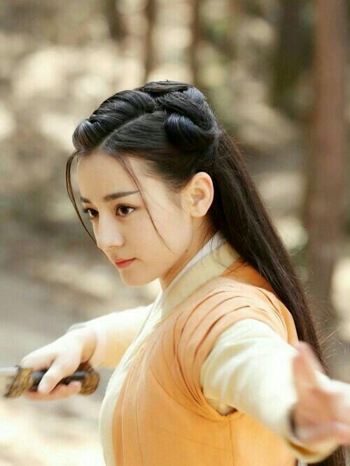 古装剧发型大赏:龙须刘海派battle经典单髻派,你钟情于哪款