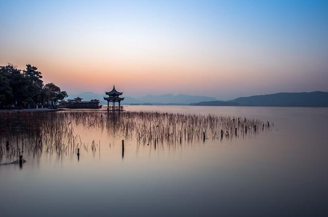 杭州西湖:中国十大风景名胜区之一,国内唯一入选世界遗产的湖泊